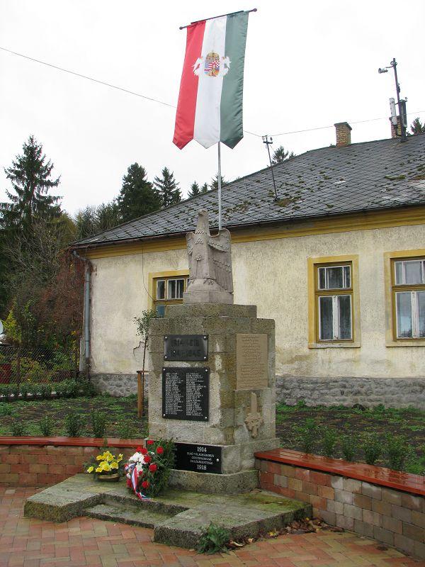 I. és II. világháborús emlékmű (Szilvásvárad) http://www.turabazis.hu/latnivalok_ismerteto_5206 #latnivalo #szilvasvarad #turabazis #hungary #magyarorszag #travel #tura #turista #kirandulas