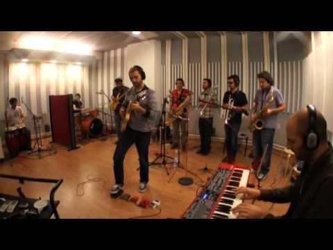 Freedonia, soul made in Madrid. Formados en 2006, con músicos procedentes de la Escuela de Música Creativa, llevan ya un tiempo trabajándose las salas de Madrid y otros puntos de España, y forjando su sonido, que combina jazz y mucho soul.