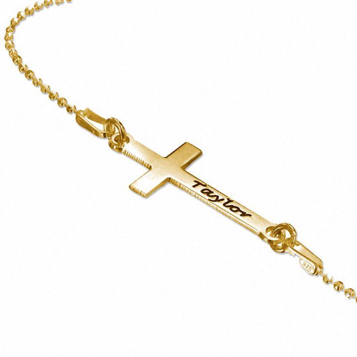 Collar de Plata con baño de Oro de 18K con una Cruz modelo Emy. Collar de Plata 925 con baño de Oro de 18K con un colgante en forma de cruz colocada de lado con un diseño moderno para un símbolo religioso tradicional. (Ref.29129-02)