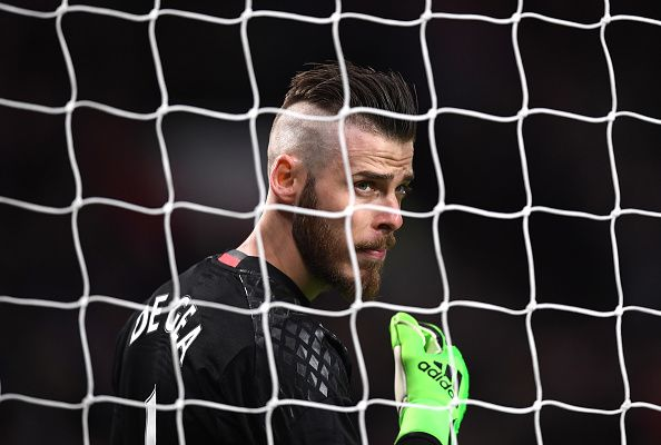 #rumors  Manchester United news: 'Toni Kroos and Raphael Varane for David De Gea would be really good business' - Fans on transfer rumour