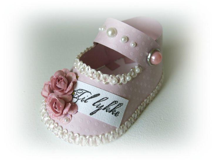 Hobbybloggen: Mal til søt baby-sko