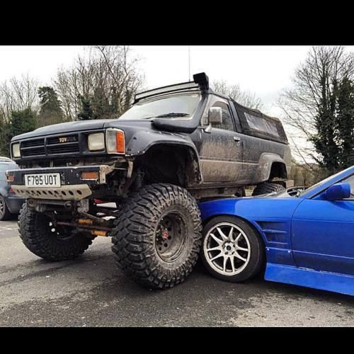 Toyota Suff: Toyota-Hilux-Surf-SSRX-mk2-2-4TD-Lifted-Monster-Truck