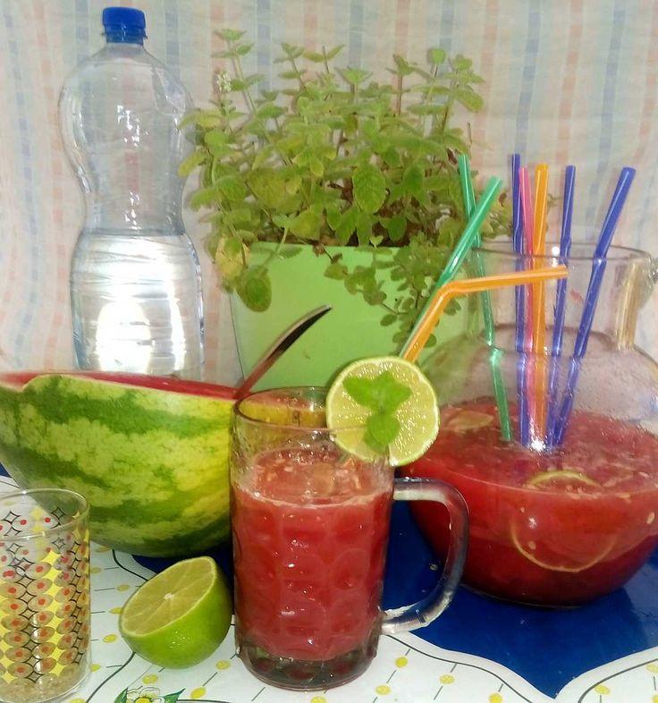 Melounové mojito | recept. Nejenom v létě se těší velké oblibě míchané ovocné drinky. Klasické mojito jistě není tř