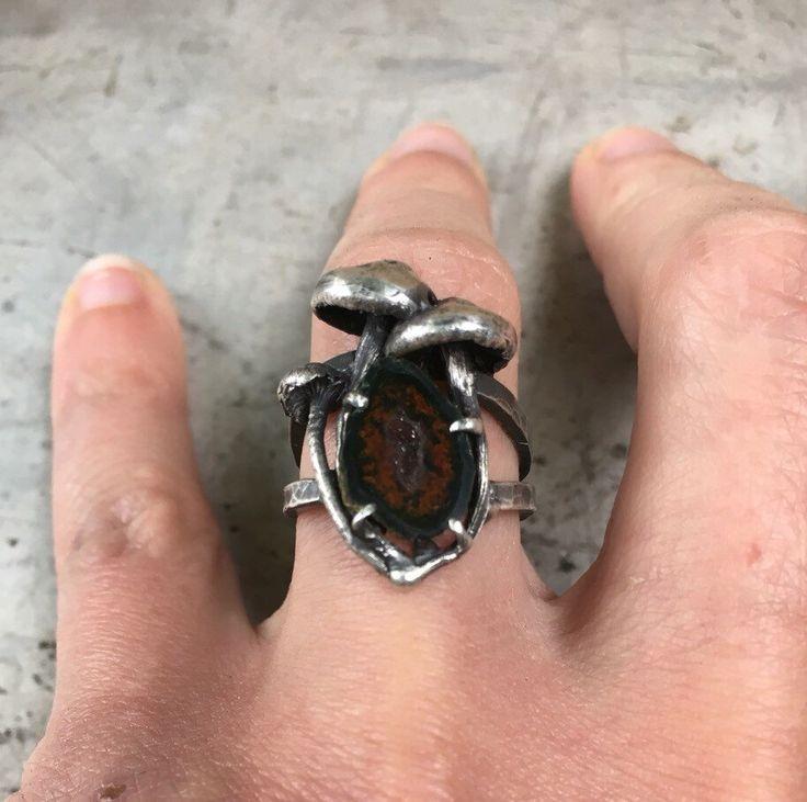THEETHjewelry en Etsy https://www.etsy.com/es/listing/281771714/anillo-porta-seta