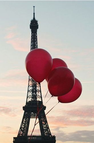 love this print of #red balloons in Paris http://rstyle.me/n/ncqnmr9te