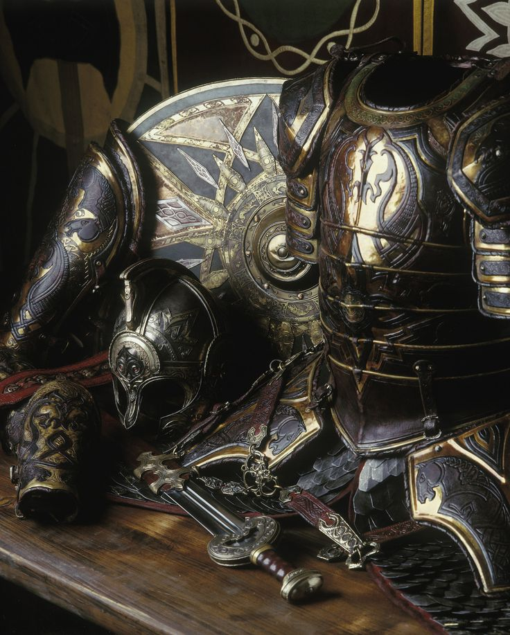 The most extravagant of all armor created for LOTR was that of Theoden King. Marvel at this craftsmanship by Weta Workshop. #LOTR