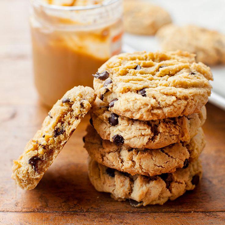 """Polubienia: 3,678, komentarze: 64 – Kwestia Smaku (@kwestiasmakucom) na Instagramie: """"Te ciasteczka z masłem orzechowym i kawałkami czekolady zbierają same dobre opinie 👌 Link do…"""""""