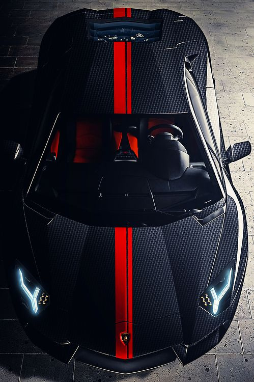 Black Lamborghini Aventador. Luxury, amazing, fast, dream, beautiful,awesome, expensive, exclusive car. Coche negro lujoso, increible, rápido, guapo, fantástico, caro, exclusivo.