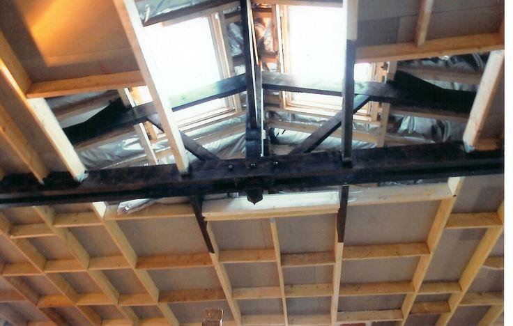 pose des velux et mise en place du plafond et du grenier. La charpente en bois à été protégé par du verni  // TEXAS Bâtiment - texasbatiment@orange.fr - Tél 0141810290