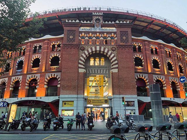 Ahora Centro Comercial Antes Plaza De Toros House Styles Mansions Arenas