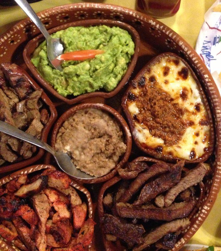 Cazuela de carnita asada y adobada. Cocina regia