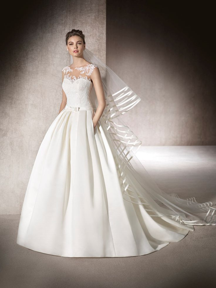 MYRNA - Princess wedding dress with a wide skirt in satin and sweetheart neckline in lace and crystal tulle