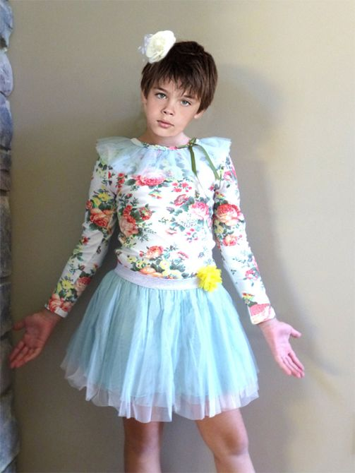 11e557456 boys in dresses Pictures