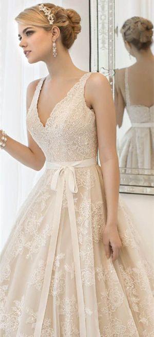 gorgeous vintage lace wedding gowns