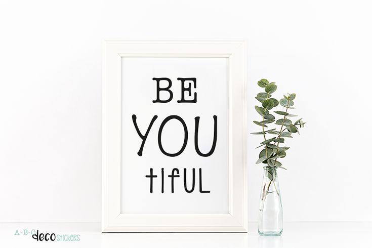 Onthoud altijd...  <3 Je bent mooi <3 Je bent de moeite waard <3 Je bent belangrijk <3 Je bent speciaal <3 Je bent uniek <3 Je bent prachtig <3 Je hebt talent <3 Je bent onvervangbaar! Help jezelf er elke dag aan herinneren door de tekst in ABC Decostickers op te plakken en in te lijsten in een mooie lijst.