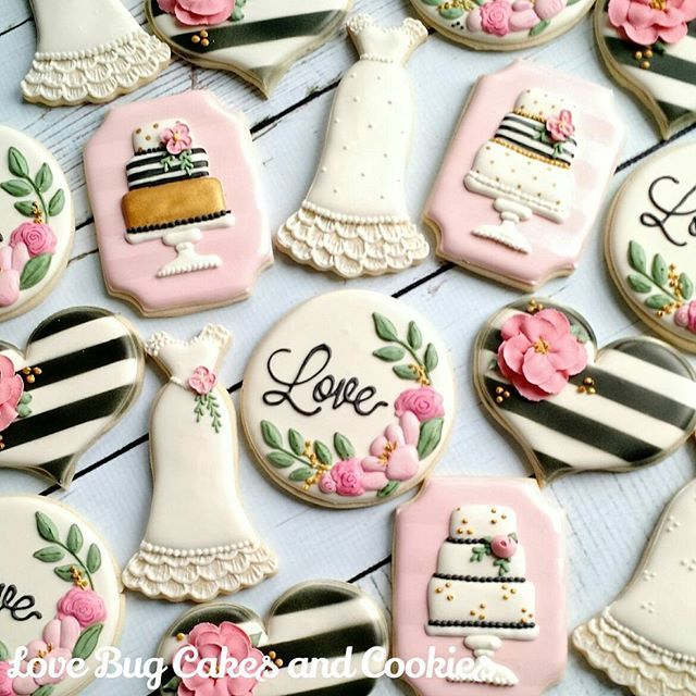Wedding Cookies are the most fun to make! This set was inspired by a collaborative set with @thepaintedpastry! #blackandwhite #floral #wedding #weddingshower #love #dress #hearts #chicwedding #lovebugcookies #decoratedcookies #loudouncounty #leesburg #southriding #ashburn #gifts #cookieart #cute #cookies #pretty #cookieclasses #cookiedecoratingclass #loudouncountyactivity #lovebugstudio