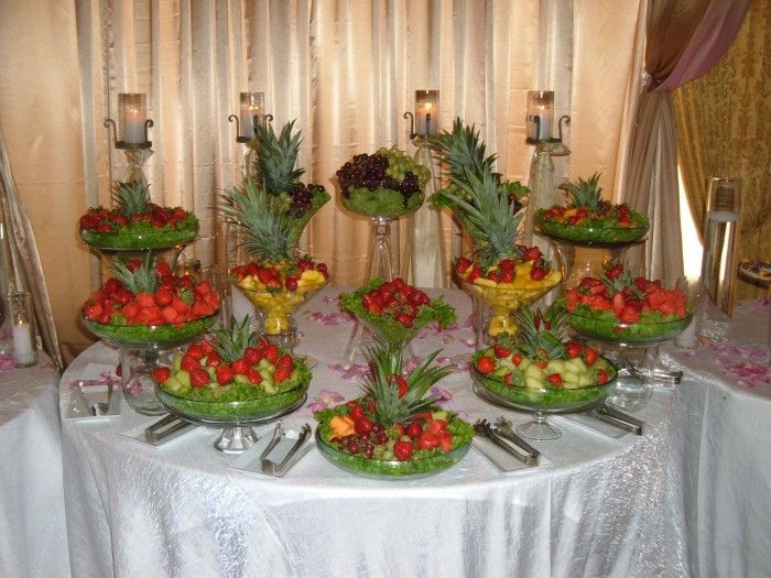 Tropical Fruit Platter For A Beach Wedding: Fruit Display Ideas For Weddings