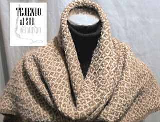 """Precioso punto """"Camino de rosas"""" para esta bufanda que tejí a telar 60% oveja y 40% acrìlico. Rose path for this handwoven scarf. 60% wool."""