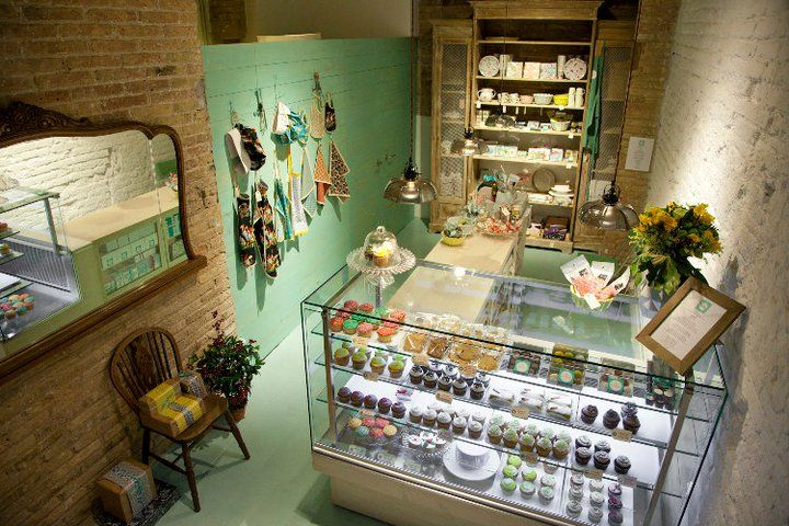 Living DECOCASA » Decoracion Vintage En Tienda De Cupcakes &amp Cookies cakepins.com