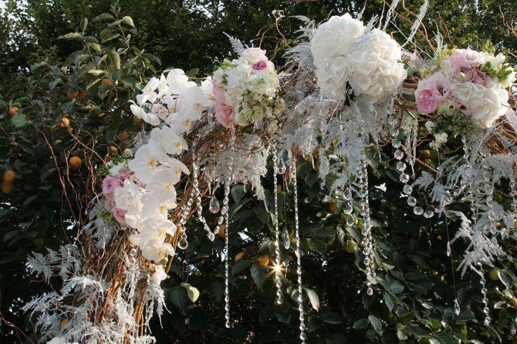Awsome floral arch for a very outstanding russian wedding. Stupendo arco floreale per uno stupendo matrimonio russo www.taniamuser.com