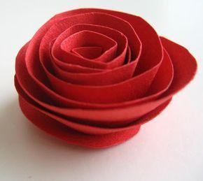 Oi gente!!! Mais uma idéia de flor para o Dia das Mães. Esta linda rosa é feita com papel e é muito fácil de fazer, viu? Vamos ver o passo a passo? Créditos para Dozi Design. Artigos Relacionados Texto para Livrinho – O Caracol LIVRO – Um menino genial Árvore de natal feita com caixa …