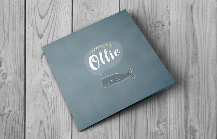 Stoer geboortekaartje in blauw grijze kleur met een tekening van een walvis. Bestel gratis een digitale proefdruk van dit geboortekaartje!