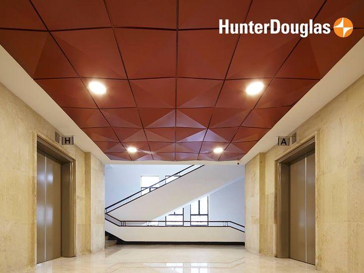 Para la #remodelación de las oficinas de la sede San Agustín de la Dian instalamos el Cielo Edge Lay-In en el hall de los ascensores y en la recepción de cada piso con la garantía de brindar un ambiente mucho más cálido para quienes trabajan allí.