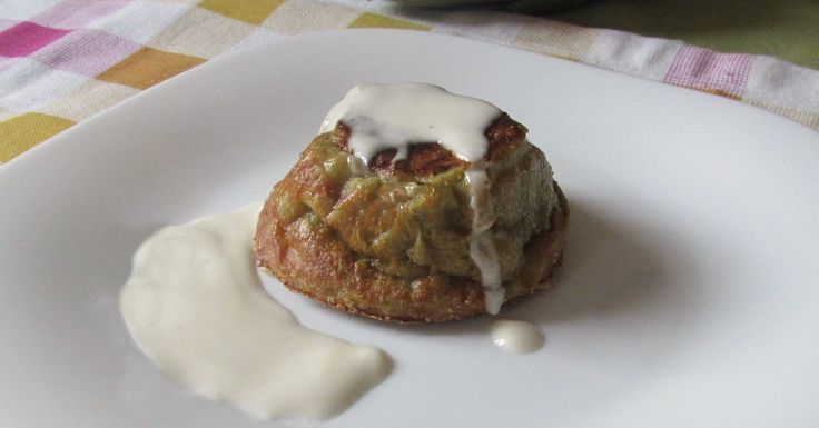 Come preparare i tortini di carciofi con salsa al gorgonzola, antipasto semplice ma raffinato, flan di carciofi con una salsa saporita