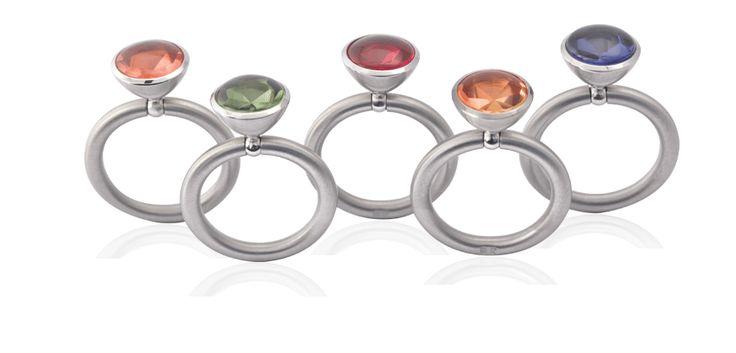 Farbenfrohe Ringe Halbschale   Swivel® von PUR