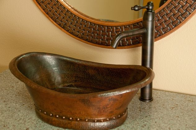 Раковина для ванной из переработанной меди