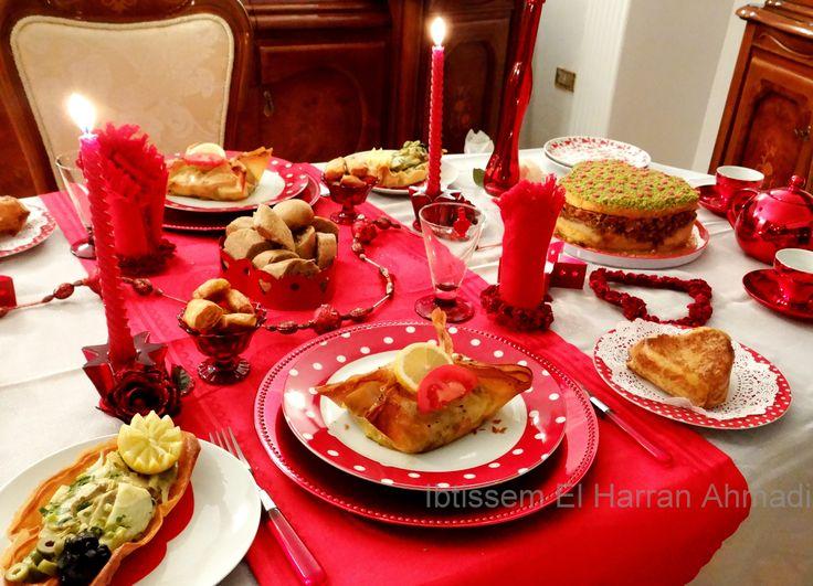 Menu Saint valentin aux mille feuilles de Malsouka Je vous propose un menu au   mille feuilles de Malsouka   tout en splendeur pour un tête à tête inoubliable. Régalez vos papilles !   Pour donner le ton dès l'entrée, préparez une soupe de poisson voluptueuse accompagnée d'une salade légère et un mini tagin... #delicescaprices   #saintvalentin   #menudefete   #menutunisien   #dressagedetable #vaissellerouge   #menumalsouka