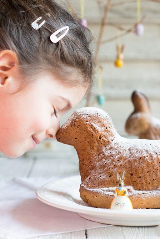 Zuckerfreier Osterkuchen mit Einkornmehl - so gut!!  www.carrotsforclaire.com