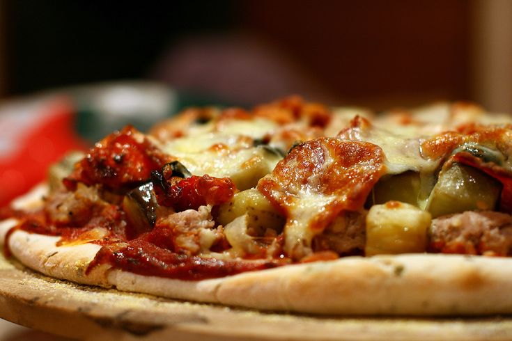 The History of Pizza and The Secrets For Its Preparation