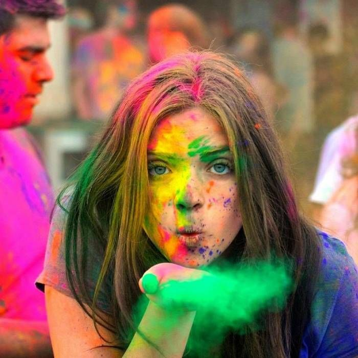 How to take special care of skin and hairs before and after holi