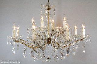 Kristallen kroonluchter 26261 bij Van der Lans Antiek. Meer kristallen lampen op www.lansantiek.com