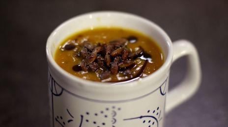 soep van geroosterde pompoen | Eén    +wortel en een blik tomaat - lekker !