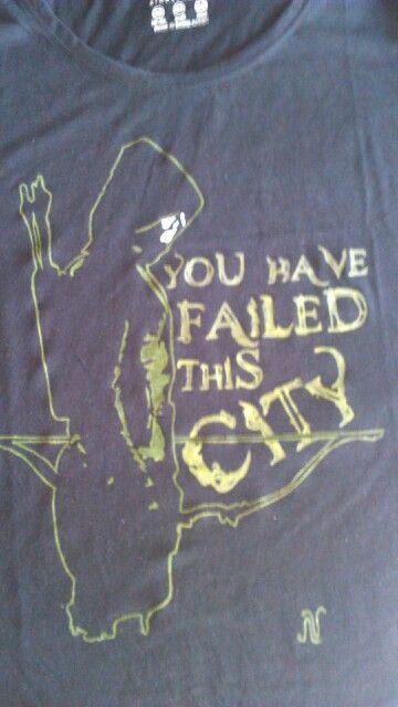 Camiseta para una fan de arrow,pintada a mano