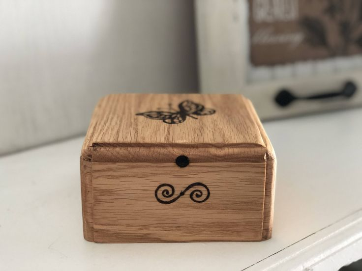 Small Heirloom Oak Wood Box, Small Lidded Box, Tea Box, Small Jewelry Box, Spice Box or Keepsake Box, Gift box. by InsaneRootWoodworks on Etsy