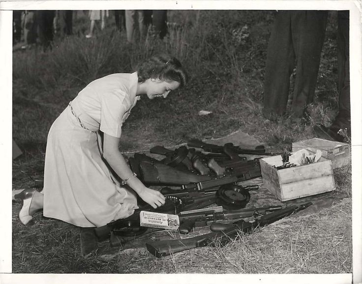 August 8, 1941 -  Women in Bridgeport, Connecticut, were trained by local police in the use of Thompson sub-machine guns.