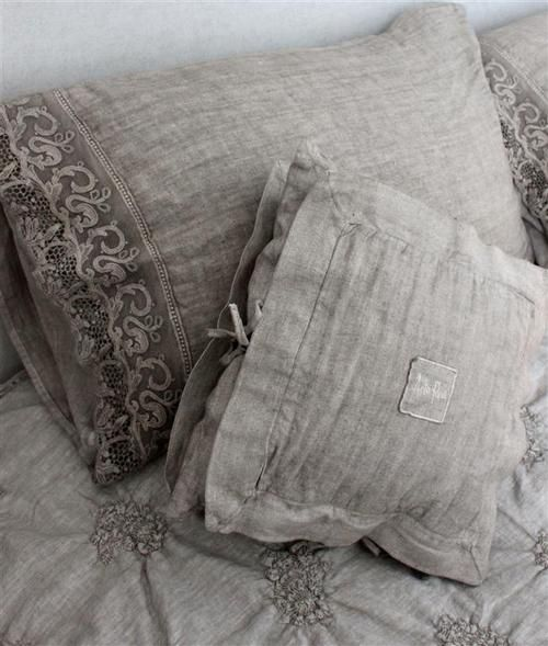 linen bedding, lace trim