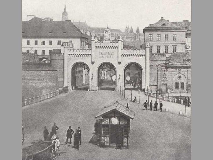 nová Újezdská brána, 1865, vnější průčelí
