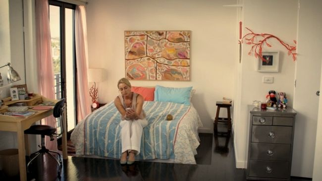 Nina's Apartment in Offspring - that industrial chest if drawers!