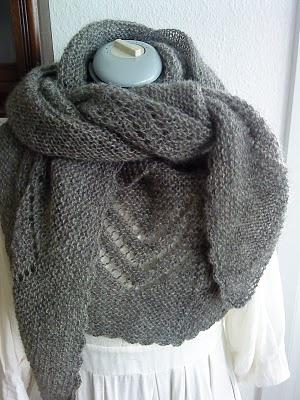 I have to knit this soooooon  :-)  Love itKnits Inspiration, Strikk Knits Diy, Knitting Crochet, Lunt Og, Knits Pattern, Knits Shawl, Tricot Knits, Crochet Knits, Og Dejligt