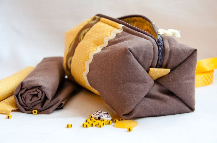 """Cosmetics Bag / Pouch """"Coquette"""". DIY Tutorial with Photos."""
