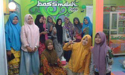 Bassmalah Cafe, Warung Kopi Kekinian Paling Keren di Madura | Travel Jaya