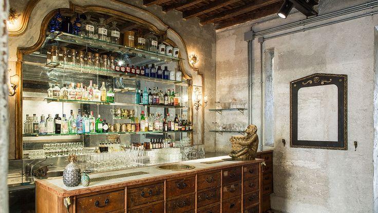 Bar: Sacripante Gallery by Giorgia Cerulli