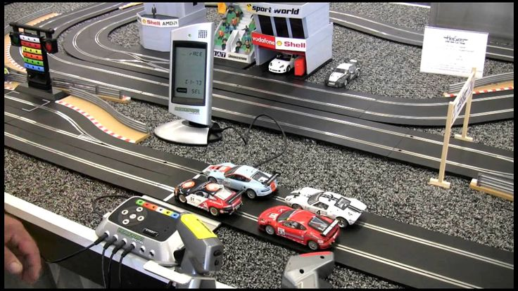 SCALEXTRIC DIGITAL TRACK SET FEATURES