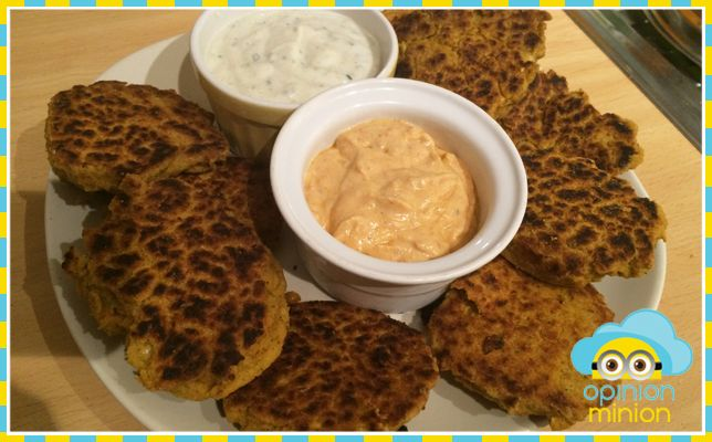 FALAFEL CAKES WITH MINT AND TOMATO DIPS (SLIMMING WORLD VEGETARIAN)  I don't think I've ever used chickpeas that much before Slimming World, the odd experiment here and there maybe but nothing that sticks out in my mind as memorable…or worth trying again. I have to say though, you really can do so much with them (I feel some future …