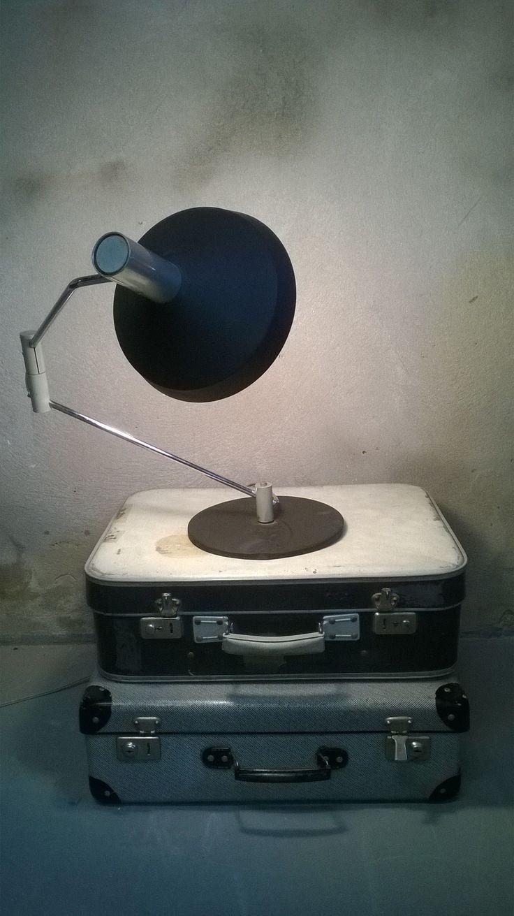Koffers & bureaulamp www.als-nieuw.com