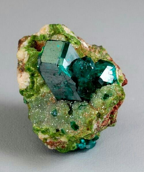 It could be dioptase if its isn't please correct this descripción. - crystals gemstones gems minerals